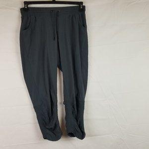 ATHLETA Sz 4 Capri Crop Pants Gray w Ruched Ankle